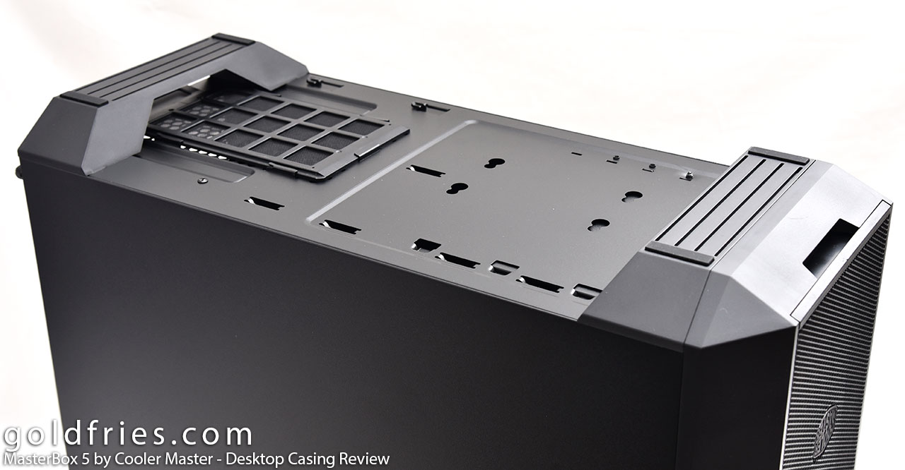 MasterBox 5 by Cooler Master - Desktop Casing Review