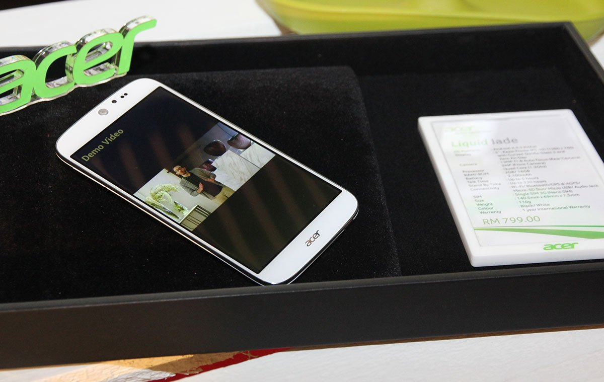 Acer launches 3 new phones - Liquid X1, Jade and Z500 12