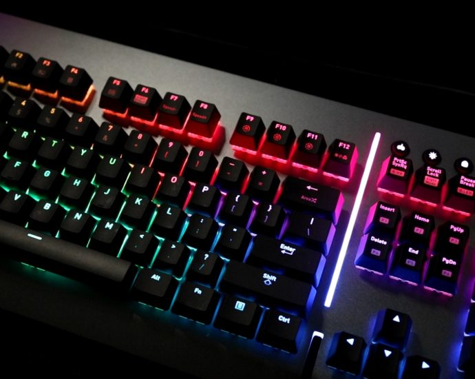 Thermaltake Level 20 RGB Titanium Edition Review 11